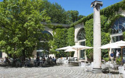 Innenhof der Glyptothek mit Café