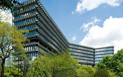 Das Europäische Patentamt in der Erhardtstraße liegt direkt an der Isar in München.