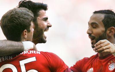 Tasci, Müller und Benatia jubeln für den FC Bayern gegen Borussia Mönchengladbach