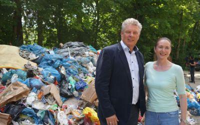 Öffentlichkeitskampagne für die Isar: Müllberg von einem Isarwochenende