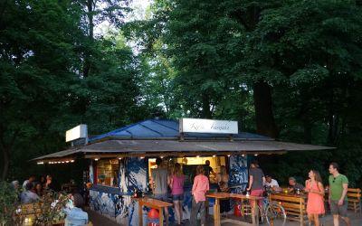 Isar-Kiosk am Abend