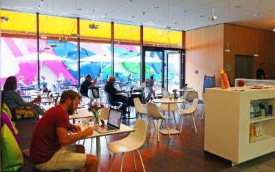 "Café ""Über den Tellerrand"""