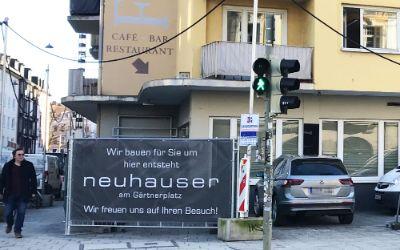 Bauzaun für das Neuhauser am Gärtnerplatz