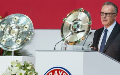 Der Vorstandsvorsitzende der FC Bayern München AG Karl-Heinz Rummenigge spricht am 27.11.2015 in München (Bayern) während der Jahreshauptversammlung des Vereins.