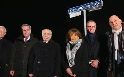 Einweihung des Kurt-Landauer-Platzes vor der Allianz Arena
