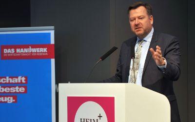 Bürgermeister Josef Schmid bei der Eröffnung der Messe Heim+Handwerk