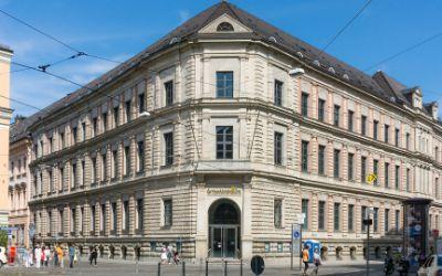 Gebäude an der Kardinal-Faulhaber-Straße 14.
