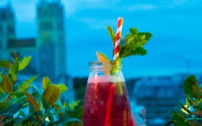 Cocktail trinken im Glockenbachviertel