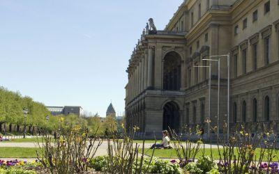 Residenz vom Hofgarten aus gesehen