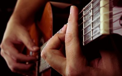 Finger an Gitarre