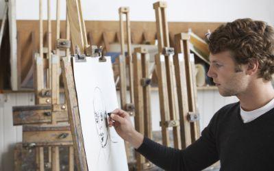 Künstler zeichnet