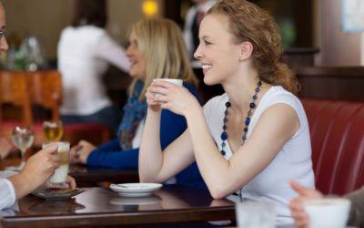 Frauen in einem Café