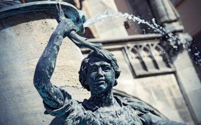 Fischbrunnen Detail