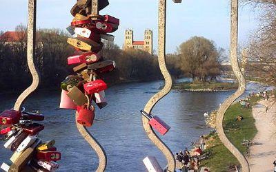 Liebesschlösser an der Wittelsbacher Brücke