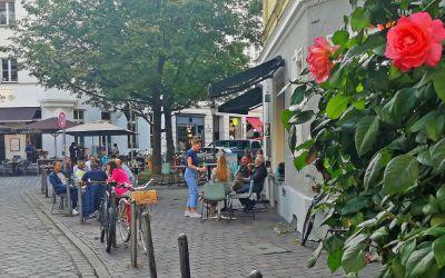 Der St. Anna Platz im Sommer