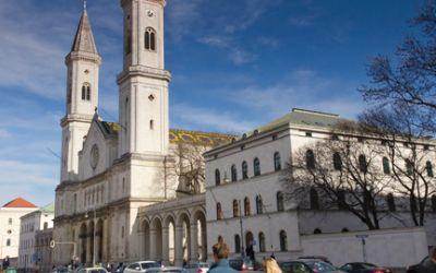 Die Ludwigskirche in der Ludwigstraße
