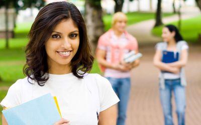 Mädchen auf Campus