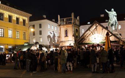 Mittelaltermarkt und Adventsspektakel am Wittelsbacher Platz