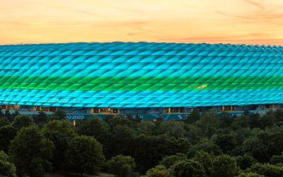 So leuchtet die Fußball Arena München bei der EM