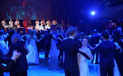 Tanzen im Saal