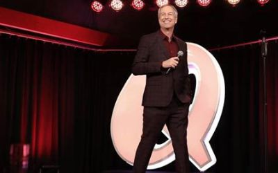 Thomas Hermanns auf der Bühne im Quatsch Comedy Club