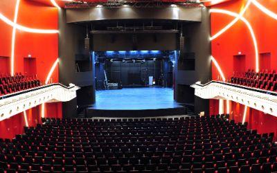 Saal des Deutschen Theaters in München