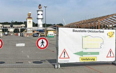 Baustellen-Schild für den Wiesn-Aufbau 2019