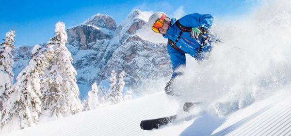 Skifahrer im Schnee