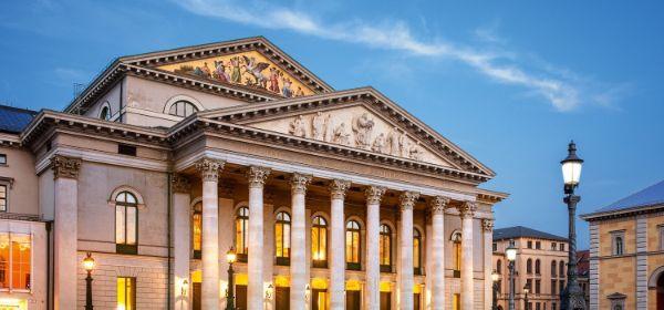 Das Staatstheater am Münchner Max-Joseph-Platz