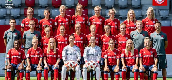 FC Bayern Frauen Teamfoto