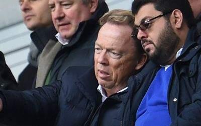 Der Präsident des TSV 1860 München, Peter Cassalette, neben Investor Hasan Ismaik