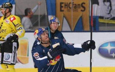 18.11.2016 - EISHOCKEY - DEL - EHC Red Bull Muenchen vs Krefeld Pinguine - Bild zeigt: Steve Pinizzotto