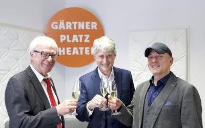 Ministerialdirigent Toni Schmid, Anthony Bramall und Staatsintendant Josef E. Köpplinger