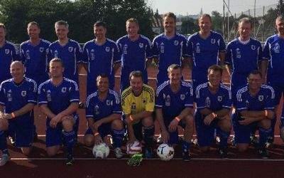 Die Münchner Stadtratsfußballmannschaft 2016.