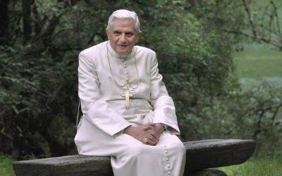 Papst Benedikt XVI. (Das Bild zeigt ihn im Sommerurlaub im Jahr 2007)