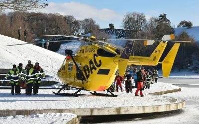 Einsatz am Olympiasee: Touristenpärchen bricht in Eis ein
