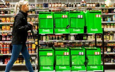 Lebensmittel im Depot von Amazon Fresh