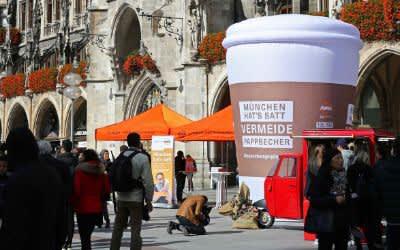 Aktion gegen Einweg-Kaffeebecher am Marienplatz
