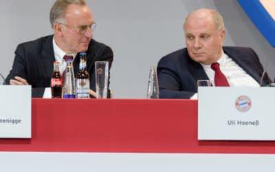 Gingen mit der Presse hart ins Gericht: FCB-Vorstandschef Karl-Heinz Rummenigge (l) und Präsident Uli Hoeneß