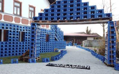 Kurioses Hochzeitsgeschenk: 30 000 Pfandflaschen