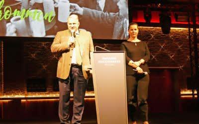 Christian Schottenhamel und Geraldine Knudson bei der Begrüßung zur Tourismus-Kooperationsbörse im Paulaner am Nockherberg