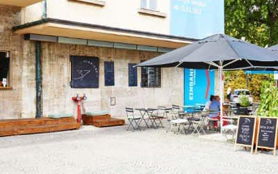 Das Café 37 Pioniere auf der Ludwigsbrücke