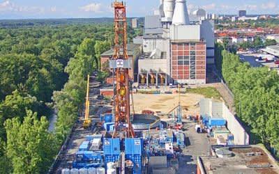 Heizkraftwerk Süd mit Geothermie-Baustelle