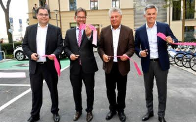 """Piazza Zenetti"" mit Mobilitätsstation"