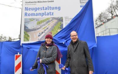 Anna Hanusch, Vorsitzende des Bezirksausschusses 9 Neuhausen-Nymphenburg und Arne Petersen, Geschäftsbereichsleiter Verkehrsinfrastruktur bei SWM und MVG