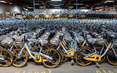 Ausrangierte Obike-Räder in einer Halle