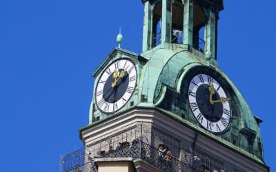 Die Uhren am Alten Peter in München
