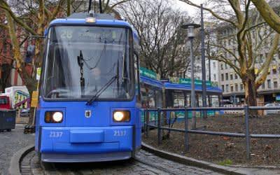 Tram in der Wendeschleife am Sendlinger Tor