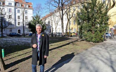 Oberbürgermeister Dieter Reiter besucht den Alpenplatz in Giesing