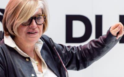Organisatorin der Innovationskonferenz DLD Steffi Czerny spricht in München.